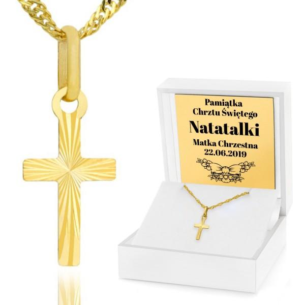 złoty krzyżyk z łańcuszkiem w pudełku z grawerem