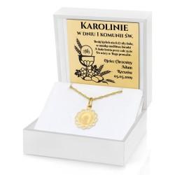 złoty medalik dla dziecka w pudełku z grawerem