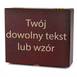 drewniana szkatuła z grawerem dedykacji