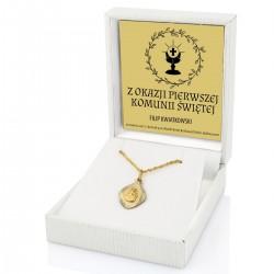 złoty medalik w biały m pudełeczku z eko-skóry