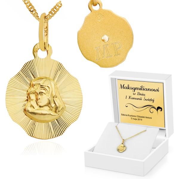 złoty medalik komunijny w pudełku z dedykacją