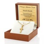 złoty krzyżyk na prezent na pierwszą komunię święta