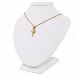 złoty krzyżyk na łańcuszku na pamiątkę komunii