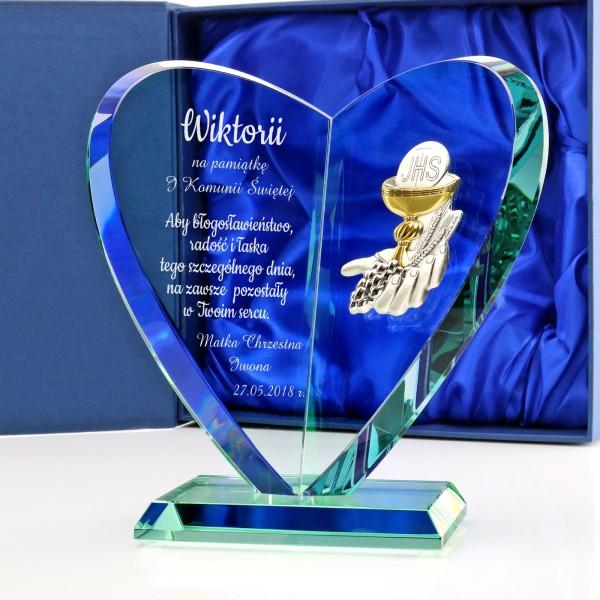 szklana statuetka serce z grawerem na pamiątkę komunii